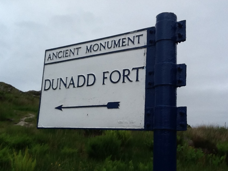 Dunadd_fort_sign