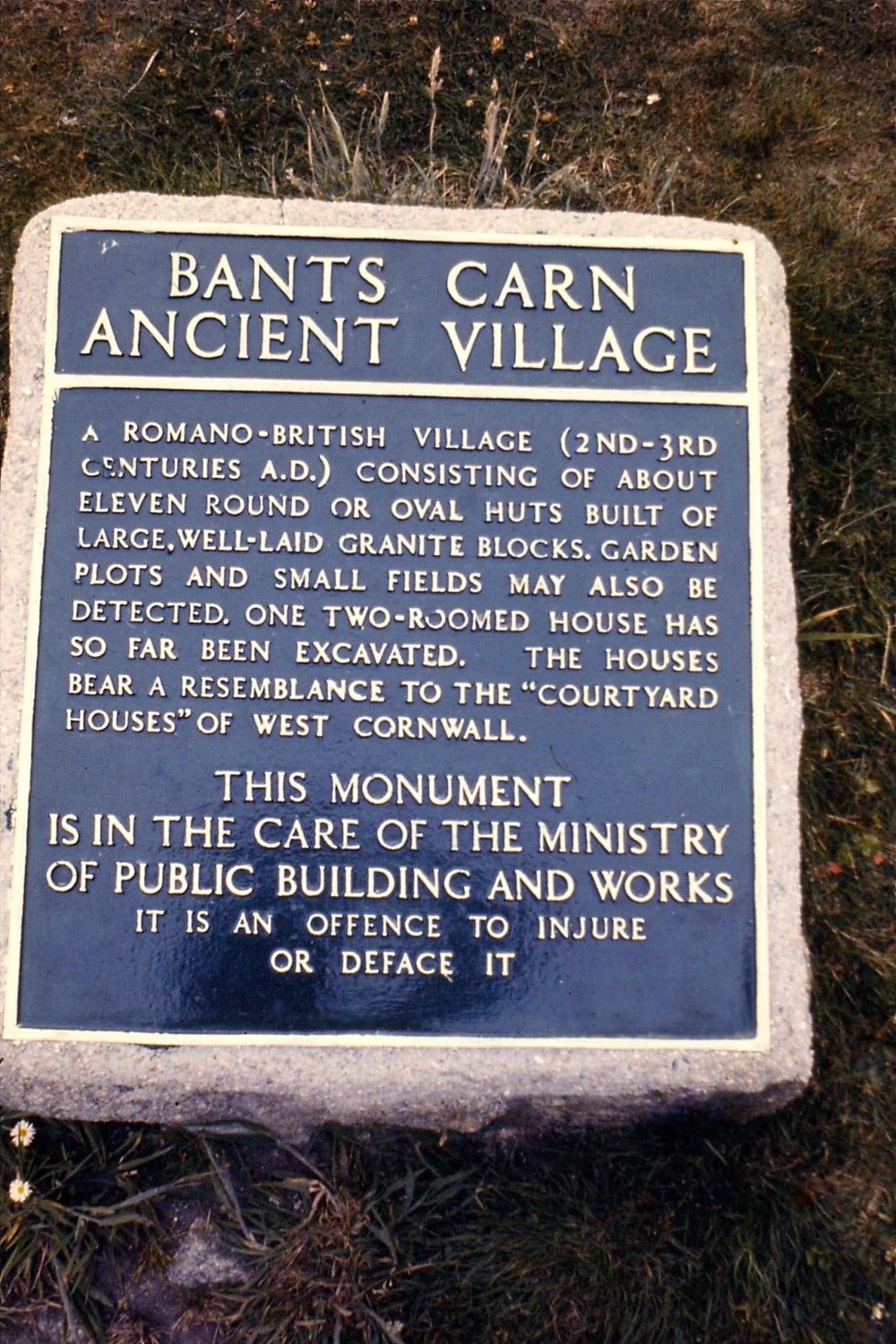 BantsCarn_village_sign